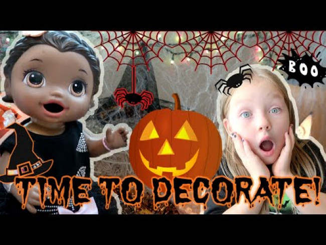 BABY ALIVE DECORATES for HALLOWEEN! The Lilly and Mommy Show! The TOYTASTIC Sisters! FUNNY KIDS SKIT