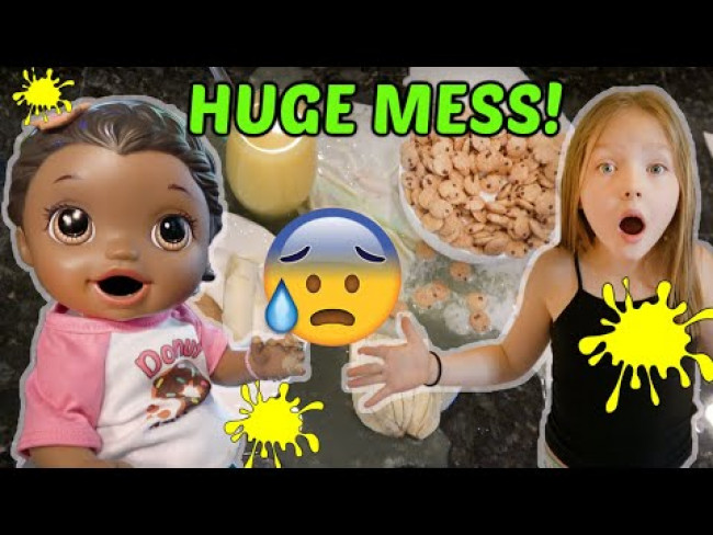 BABY ALIVE does a BREAKFAST ROUTINE! The Lilly and Mommy Show! FUNNY KIDS SKIT!