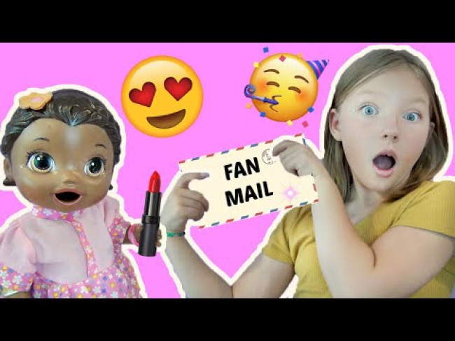 BABY ALIVE does a DAILY MAKEUP ROUTINE and OPENS FAN MAIL! The Lilly and Mommy Show! FUNNY KID SKIT!
