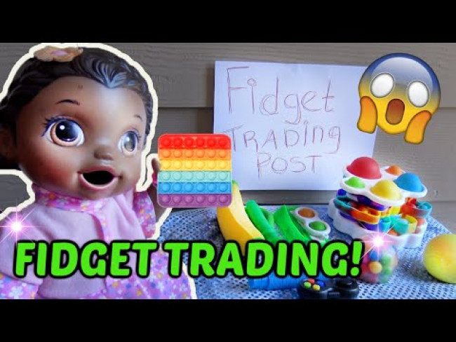BABY ALIVE does FIDGET TRADING with FRIENDS! The Lilly and Mommy Show! FUNNY KIDS SKIT!
