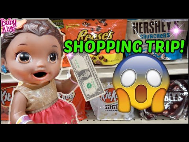 BABY ALIVE goes FOOD SHOPPING! The Lilly and Mommy Show! The TOYTASTIC Sisters. FUNNY KIDS SKIT!