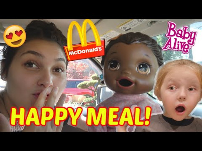 BABY ALIVE goes to McDONALDS! The Lilly and Mommy Show. The TOYTASTIC Sisters. FUNNY KIDS SKIT!