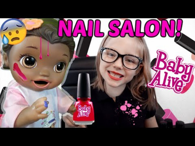 BABY ALIVE goes to the NAIL SALON! The Lilly and Mommy Show! The TOYTASTIC Sisters! FUNNY KIDS SKIT!