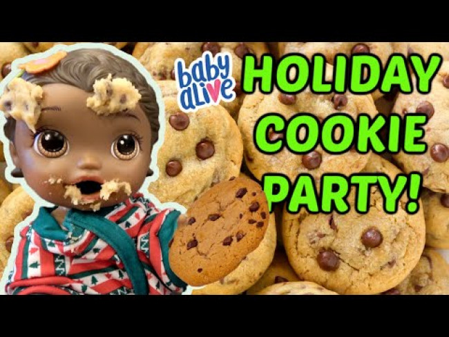 BABY ALIVE has a COOKIE PARTY! HOLIDAY BAKING! The Lilly and Mommy Show! FUNNY KIDS SKIT!