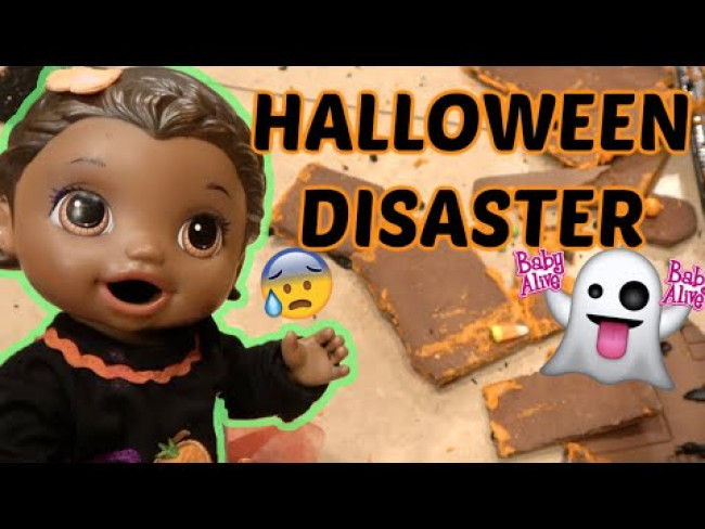 BABY ALIVE has a HALLOWEEN DISASTER! The Lilly and Mommy Show! The TOYTASTIC Sisters! FUNNY KID SKIT