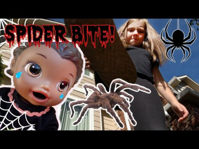 BABY ALIVE has a HALLOWEEN PICNIC. Gets BIT by a SPIDER! The Lilly and Mommy Show! FUNNY KIDS SKIT!