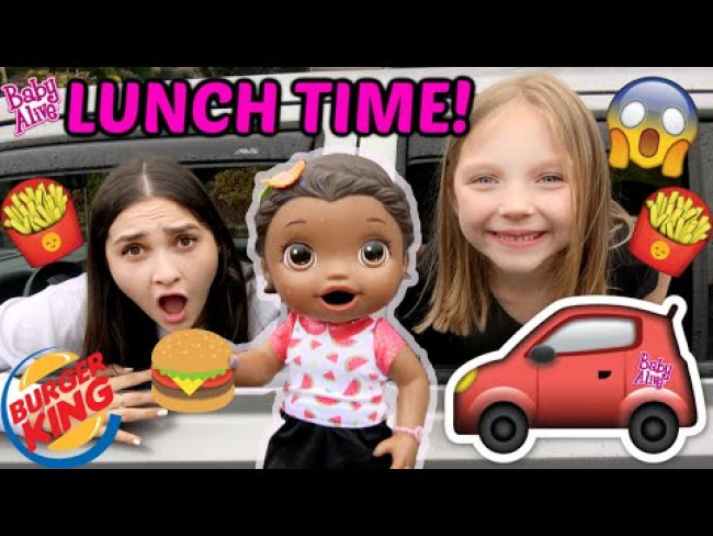 BABY ALIVE has a PICNIC PARTY! DRIVE THRU and  FRIES! The Lilly and Mommy Show! FUNNY KIDS SKIT!