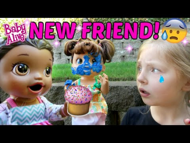 BABY ALIVE makes a NEW FRIEND! HIDE & SEEK and CUPCAKES! The Lilly and Mommy Show! FUNNY KIDS SKIT!