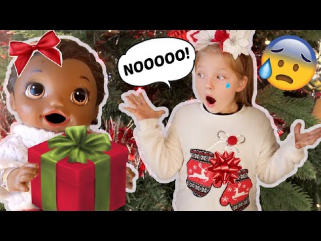 BABY ALIVE OPENS her CHRISTMAS presents BEFORE CHRISTMAS! The Lilly and Mommy Show! FUNNY KIDS SKIT!