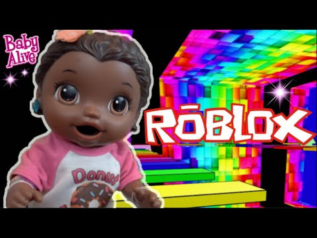 BABY ALIVE plays ROBLOX! The Lilly and Mommy Show! The toytASTIC Sisters! FUNNY KIDS SKIT!