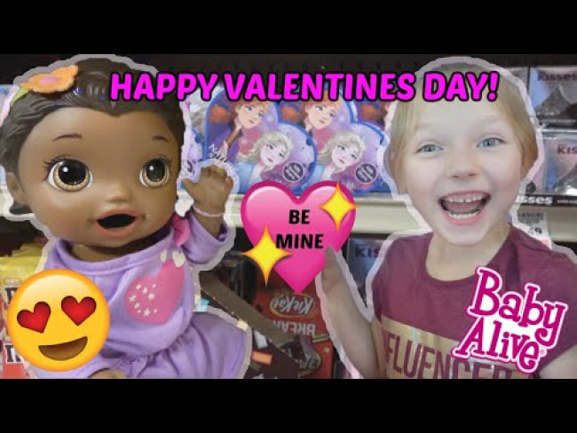 BABY ALIVE SHOPS for VALENTINES! The Lilly and Mommy Show! The TOYTASTIC Sisters. FUNNY KIDS SKIT!