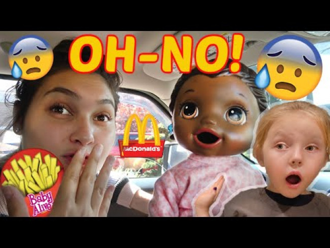 BABY ALIVE sneaks McDONALDS! The Lilly and Mommy Show! The TOYTASTIC Sisters! FUNNY KIDS SKIT!