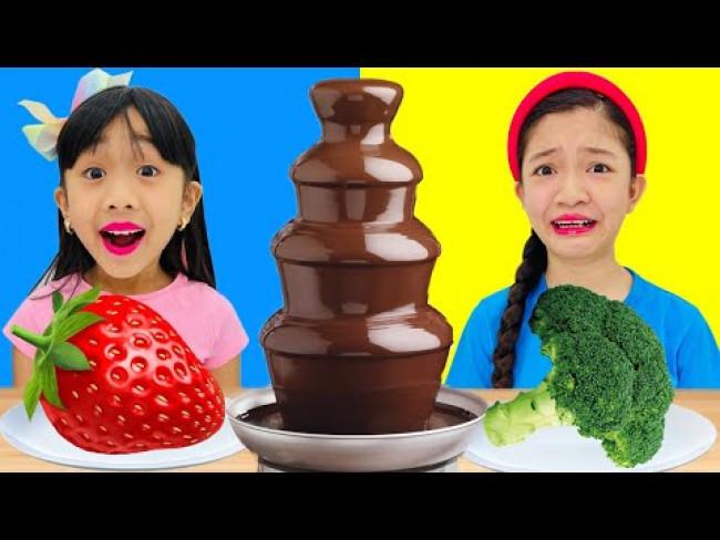 CHOCOLATE FONDUE CHALLENGE | KAYCEE & RACHEL in WONDERLAND FAMILYFilename