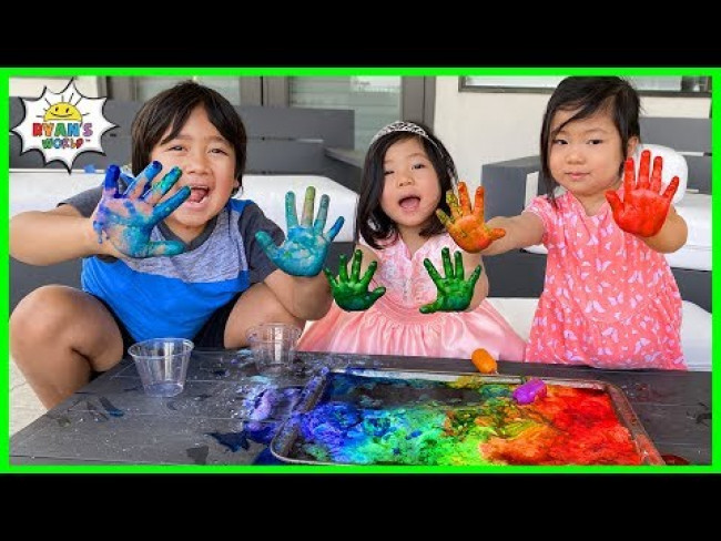 Easy DIY Science Experiments for kids Rainbow Baking Soda and Vinegar