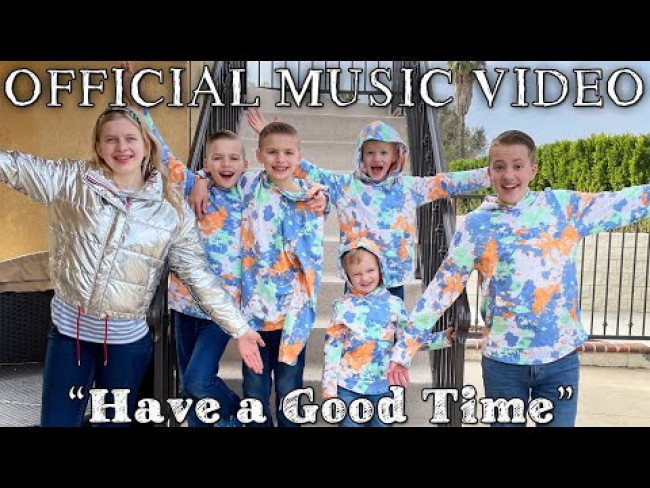 Family Fun Pack Official Music Video || Have a Good Time (with Captions)