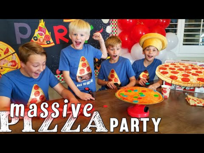 Family Pizza Party with an 8 FOOT PIZZA!!!!!!!!