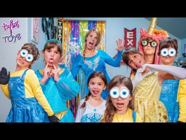 Frozen Elsa Gives Kate & Lilly a Magic Fashion Show with a Dance Party!