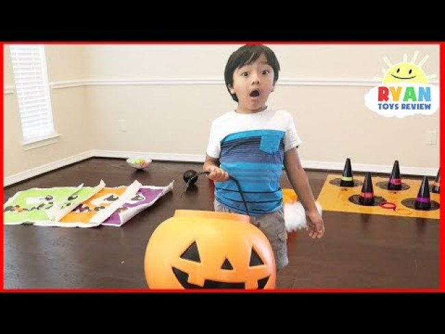 Halloween Carnival games for Kids with Ryan and Mommy!