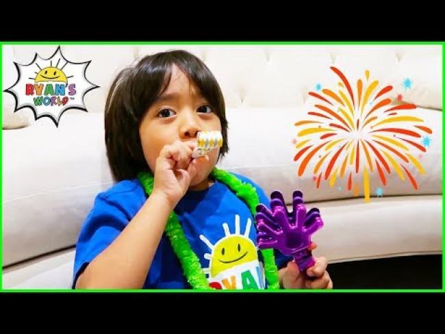 Happy New Year Fireworks Celebration with Ryan's World!!!