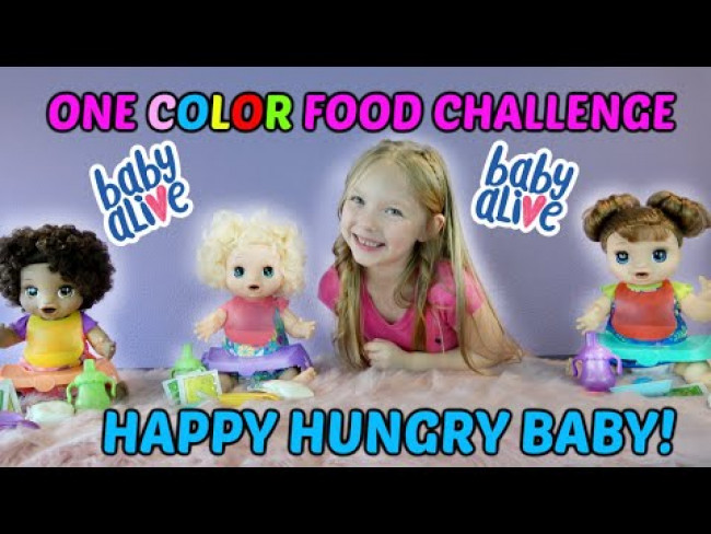 KAIA and the HAPPY HUNGRY BABY ALIVE DOLLS do the ONE COLOR FOOD CHALLENGE!