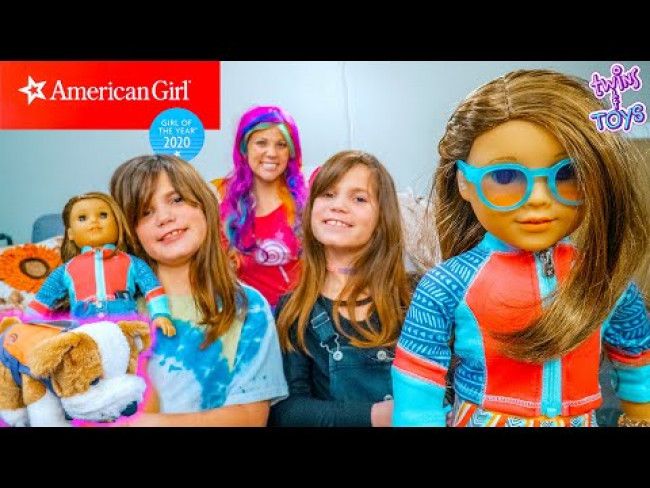 Kate and Lilly get the 2020 American Girl of the Year from Princess Lollipop!