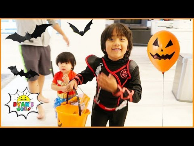 Ryan Pretend Play Trick or Treating for Halloween!!!