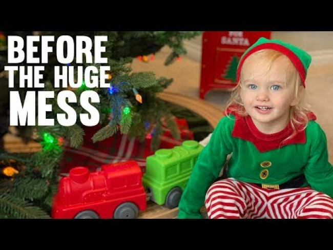 Vaseline Mess, New Train & Christmas Party || Mommy Monday